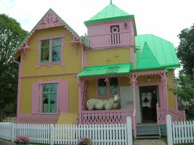 You can find all sorts of interesting houses to stay in when you house sit